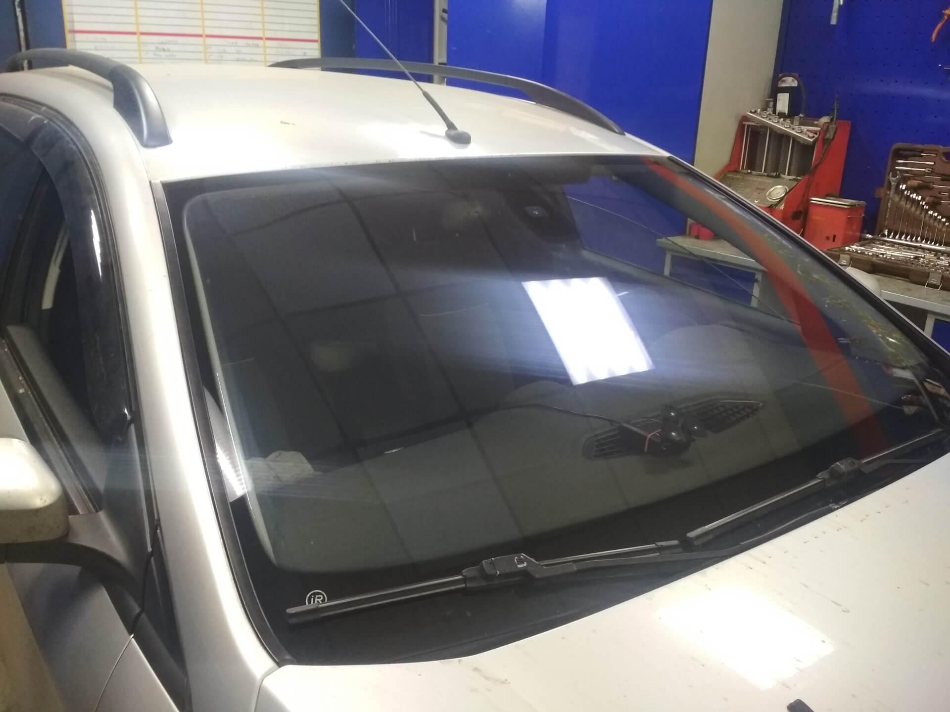 замена лобового стекла Форд Мондео